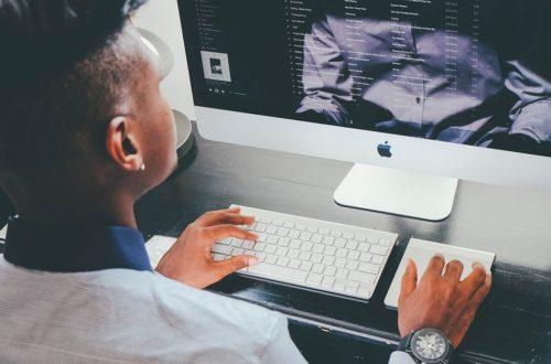 Article : L'université du futur en Afrique, un défi à relever grâce aux e-cours